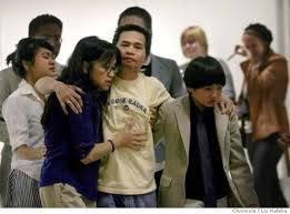 (Đỗ Thành Công - Bị trục xuất khỏi Việt Nam (Biên Đỗ Bùi (con gái), Tiên Đỗ Bùi (vợ) và Niên Đỗ Bùi (con trai) - Courtesy of San Francisco Chronicle)