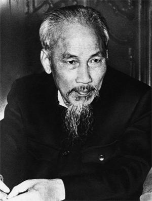 Hồ Chí Minh (miền Bắc Việt Nam) Số người tử vong: 1,7 triệu + Năm cầm quyền: 24 (1945-1969) Tội phạm tàn ác nhất: chiến tranh ở Việt Nam Loại chế độ: cộng sản Nguyên nhân của sự chết: suy tim