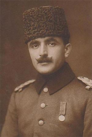 Enver Pasha (Thổ Nhĩ Kỳ) Số người tử vong: 1,1-2,5 triệu Năm cầm quyền: 5 (1913-1.918) Tội phạm: diệt chủng người Armenia Chế độ: Quân Sự Nguyên nhân chết : thiệt mạng trong chiến đấu