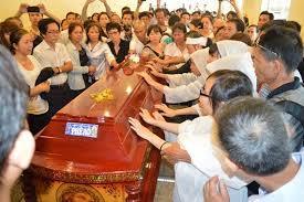 Đám tang nhà giáo Đinh Đăng Định. Ảnh: boxitvn