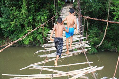 Cầu qua sông Chò, Khánh Hoà. Ảnh:Nguyễn Thành Chung