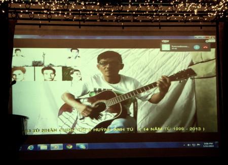 Anh Huỳnh Anh Tú, một tiếng hát khác từ VN.