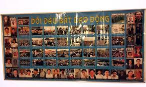 Tấm bích chương của Việt Tân gây ra sự tranh cãi