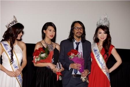 2 Hoa hậu với Kathy Uyên và Tim Bùi