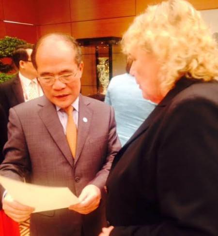 Danh sách tù nhân chính trị, bloggers và tù nhân tôn giáo trao tận tay Nguyễn Sinh Hùng