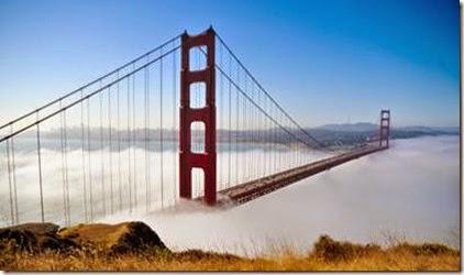 Golden Gate Bridge San Francisco trong sương mù