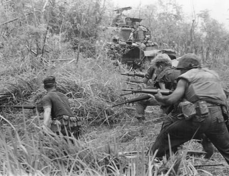 Lúc cao điểm, co nửa triệu quân Mỹ tham chiến ở VN. Ảnh Wikipedia