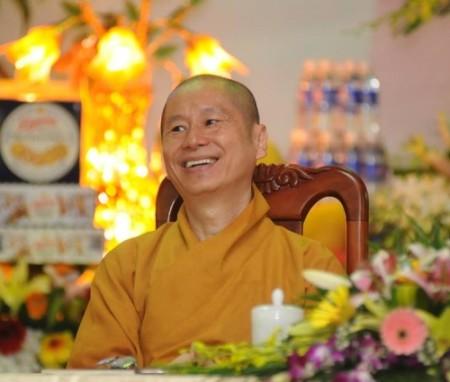 Hòa thượng Thích Chân Quang tức Vương Chí Việt, con trai của Vương Chí Nghĩa em cùng cha khác mẹ với Hồ Chí Minh