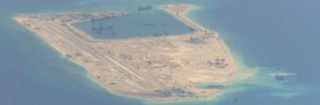 toàn bộ chu vi đảo nhân tạo alpha xây & mở rộng bởi Hải quân Trung Cộng