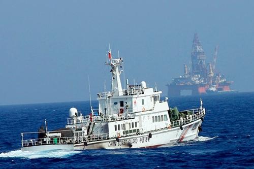 Trung Quốc đưa giàn khoan HD981 vào sâu trong vùng đặc quyền kinh tế của Việt Nam. Ảnh: AFP