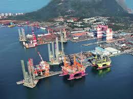 Hãng đóng tàu Raffles Yên Đài do công dân Singapore Brian Chang sáng lập, nhưng bị Trung Quốc thâu tóm năm 1993.