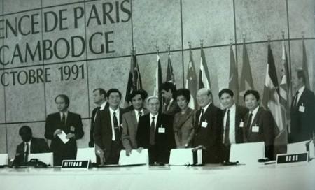 Trần Quang Cơ dự Hội nghị Quốc tế về Campuchia tại Paris năm 1991