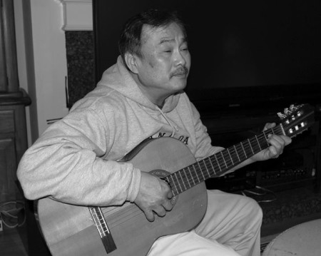 (Nguyễn Xuân Phước hát Giọt nước có biết mình là sông )
