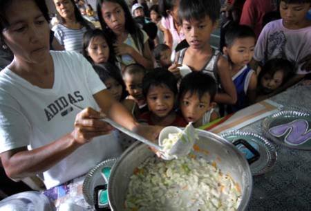 ... trong khi còn gần 1 tỉ người trên Trái Đất đang thiếu ăn.