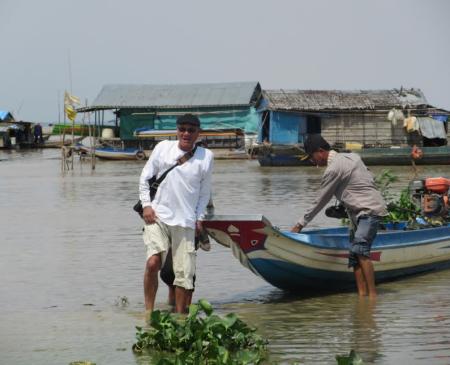 Làng nổi Rạch Lộ Quýt ở Biển Hồ. Ảnh tư liệu của MIRO, chụp vào mùa nước cạn năm 2015.