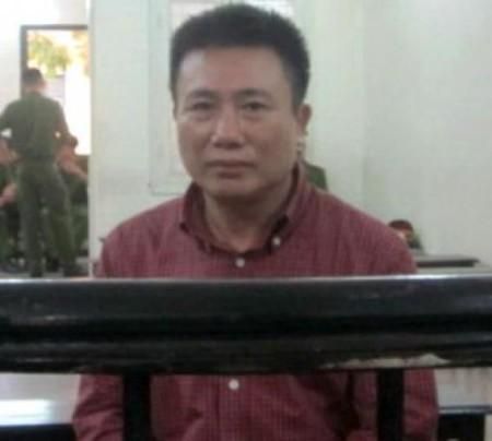 Hà Huy Hoàng, nguyên cán bộ Bộ Ngoại giao, nguyên phóng viên tuần báo Việt Nam và Thế Giới trực thuộc Bộ Ngoại giao, bị tuyên phạt sáu năm tù giam vì tội làm gián điệp cho Trung Quốc