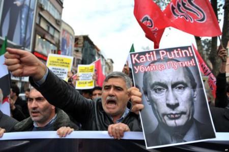 Biểu tình chống Putin, chống Nga tại Istabul thủ đô của Thổ