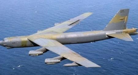 """Máy bay B-52 của Mỹ """"không chủ ý"""" bay vào trong khu vực 12 hải lý. (Ảnh: USAF)."""