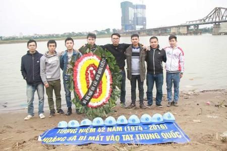 Buổi tưởng niệm của các bạn trẻ tại bãi giữa Sông Hồng, Hà Nội qua chia sẻ của Blogger Lý Quang Sơn.