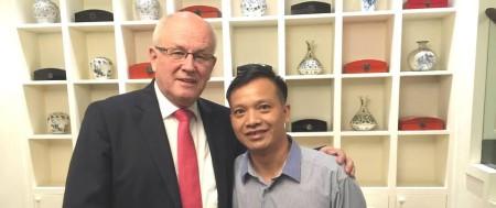 Nghị sĩ Volker Kauder và Luật sư Nguyễn Văn Đài tại Hà Nội tháng 8/2015