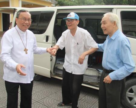 Cha Lý được trả tự do 3 ngày trước chuyến thăm của TT Obama