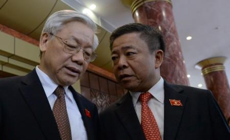 Ông Võ Kim Cự (bên phải) photo Hoang Dinh Nam (AFP)