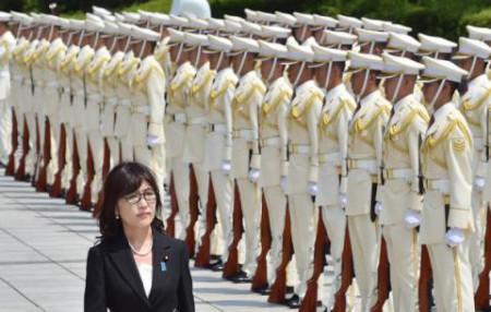 Bà Tomomi Inada, một người nổi tiếng là cứng rắn trong chính trường Nhật
