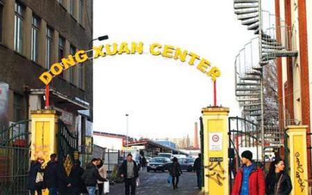 Ảnh minh họa: Chợ Đồng Xuân- Berlin (Nguồn nguoiviettuucraina)