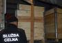 12 người Việt bị bắt khi giấu mình trong thùng gỗ để vượt biên
